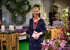 Caroline Haakman of Barendsen. Next to their own products, they also present the products of De Ruiter, Your Lily, Lisianthus group and furniture manufacturer Brosi.