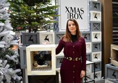 Joanna Janczak Klusek of Tree XMas Box presenting their decorative Christmas tree stand