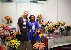 Isabelle Henin Spindler and Rita Manjik of Red Lands Roses. They are exporting to China for about 5 years now and it is the fourth time that they are exhibiting at the Hortiflor expo in China. They feel that the domestic production is increasing and improving, but not much spray are being grown. Therefore, sprayas well as the odd colors and garden style roses are the main types of this Kenyan rose grower that go to China. Isabelle see a lot of potential for the future, especially if there will be direct flights from Kenya to China.