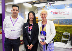 Peter van Vugt, Vanessa (interpreter) and Annelies Michels of Flier Systems. They are now nearly 4 months active on the Chinese market and they already installed a line at a chrysanthemum growers.