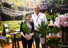 Claudia and Peter van Os of Van der Bos Flowerbulbs. They are on the Chinese market for over 10 years now and they have become quite well-known for their lilies. Now, they want to develop a demand for their calla's and freesia's as they see a lot of potential for these products on the Chinese market.