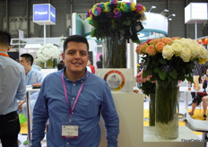 Diego Vega of Flower Village is exhibiting at the Hortiflor Expo for the first time. They already exported flowers to China in the past and they are looking for opportunities to increase the volumes to China.