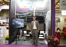 Gert-Jan van Staalduinen of Logiqs at the booth of their agent in China; Abida. They are active in China for over 4 years now and several projects are running.