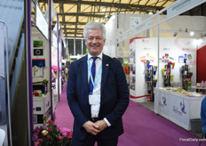 Oscar Niesen of CoHort Consultancy was visiting the show.