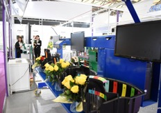 The hand tied bouquet machine of Mecaflor presented at the booth of Impack.