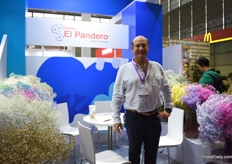 Felipe Pinzon of El Pandero grows Gypsophila in Colombia and supplies them to China for several years now. He sees a good demand for the tinted ones.