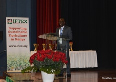 Clement Tulezi of KFC at the opening ceremony, mentioning the growht of the Kenyan cutflower industry in the past decades. It is now the second biggest industry in kenya, after tea and employs 150,000 people directly.and how they are negotiation with other countries to face and overcome challenges.