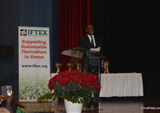 At the opening ceremony, Dr. Chris Kiptoo, PS was talking about the challenges in the industry and how the floriculture industry is surpassing the government's expectatinos regarding their targets they set regarding annual growth. The target is 25 percent and in floriculture, they reached 38 percent. On top of that, he also apologieses for the fertilizer delays and the delays in VAT refunds.
