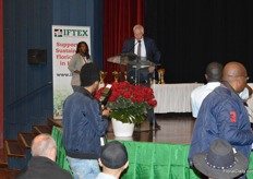 Ronald van der Breevaart was the Head of the Jury of IFTEX's 2019 Best Grower Quality Competitions and had the honor to announce the winners. Principal Secretary for Trade Dr. Chris Kiptoo and CEO of Royal FloraHolland Steven van Schilfgaarde handed out the awards. Later in the report, you will see the winners. Regarding the flowers, Van der Breevaart looked at the 'wow' factor, the freshness of the color of the flower, the freshness of the leaves and the disease resistance. Below are the results, each with a picture of the exhibitor holding the award in the booth.