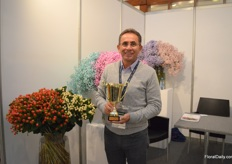 Adrian Moreano of Eternal Flower, the only Ecuadorian farm exhibiting. He grows hypericum and gypsophila and is in the process of getting 100% organic. The aim is to be 100% organic in 2020.