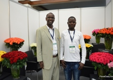 Jorum Kanyua and Calvin Odek of Valentine Growers. They grow standard intermediate roses on 17 ha.