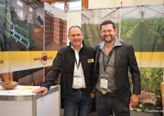 Peter Zethof of Shakti Cocos with Jeroen van Marrewijk of United Selections, who was paying a visit to the booth of Shakti.
