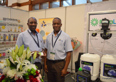 Francis Karanja and Humphrey Bululu of Sanpac. They supply tools for harvesting, post harvest and packaging. They are the local agent of Decowraps and produce sleeves for several European supermakets at their factory in Kenya.