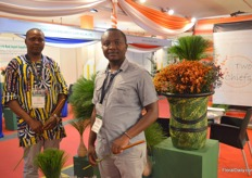 Paul Nolungu and Lawrence Waiyaki of Two Chiefs. This company was established the end of 2018. This Kenyan company is involved in the discovery and gathering of naturally occurring floral greens and accessories for the export market. Currently, they can supply Papyrus and Cattails which are gathering them sustainably in the wild, and Kangaroo from Imani.