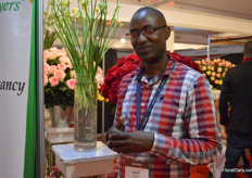 David Maina of Rift Valley Roses was also visiting the show.