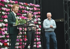 Here two employees that are working in the company for quite some years. Ingrid ten Hove has been working for a respectable ten years and Ton Koers, who has now spent 45 working years at Schoneveld.