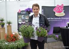 "Henrik Romme comparing their new Lavendula Early Summer improved (on the right) with their existing dark purple variety Favorite Summer. ""One can clearly see that Early summer has more darker purple flowers and is more compact – and naturally compact as no PGR's are needed. On top of that, it is continuous and long flowering – almost the first to start and the last to stop."""
