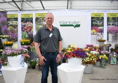 Jochem Hoffmann of Kientzler next to the Trio Mio Pocket (on the right). It is a new combination with new colors. The varieties have strong roots and not much PGR's are needed.
