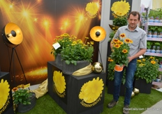 Michael Weber at Volmary, presenting one of the new colours in Rudbeckia.