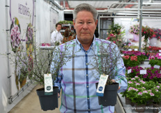 Adwin with his new product, these are M-oari Silverleaf and Greenleaf. A nice addition to the range of Addenda.