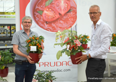 Ard Ammerlaan from Prudac together with his new employer Siem de Boer. The're showing us their Heartbreaker serie.