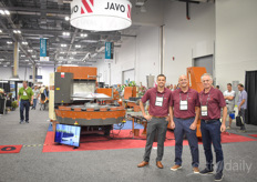Tom van der Waal, Lorenzo Russo Michiel van der Waal with Javo USA. Prior to the show they announced to work together with Mosa Green both on Cultivate and after: https://www.hortidaily.com/article/9126339/javo-usa-and-mosa-offer-combined-solutions/