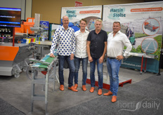 It's nice that the Martin Stolze team was there and that we made this nice photo of Peter Bos, Peter Bos jr, Paul van der Wielen and Martin Stolze - but what everybody really wants to know is the secret of the shoes... so here we go.....