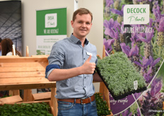 Gael de Cock of DeCock Youngplants showing their Lavandula.