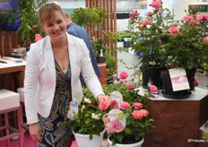 Willianne Sluiter from Incredible Roses is showing is the most delicious rose from the whole Plantarium. Because it is litteraly edible.