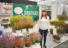 Ayala Zilberman of Danziger next to the Agastache series of Terra Nova Nurseries. Since january 2019, they supply the cuttings in Europe. The mother stock is based in Kenya and at the show, they want to show the quality of their material.
