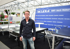 Vincent van Leeuwen of Valenka. They sell all kind of benches (new and second-hand) for the horticultural industry and for garden centers.