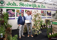 Father and son John and Johan Stolwijk of J. Stolwijk Zonen presenting the press award they won for Ceris Carolina Sweetheart. This wholesale-nursery supplies winter hardy perennials for the Dutch and German market. At the show, they presented several novelties.