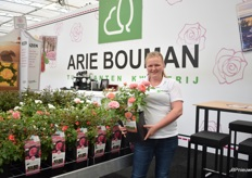 Corinne Schrijver of Arie Bouwman, a gardenplant nursery and service company for garden centers.They grow garden roses, climbing and standing. Since February 2019, they introduced the concept Corinnes Choice. The idea behind this concept is to supply a rose for everyone. Every rose has a story, made by Corinne. In this way they try to create a experience.