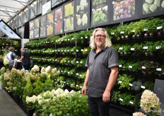 Ard Mulder of Hoogenraand Handelskwekerij. They supply their products (over 1,500 varieties)from Ireland to Denmark and Kazachstan and everything inbetween. Particularly the Hydrangea and Paniculata are in high demand.