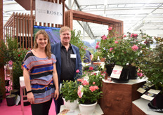 Willianne Sluiter of Incredible Roses nad Peter Cox of Pheno Geno Roses presenting their edible roses 'Taste of Love'.