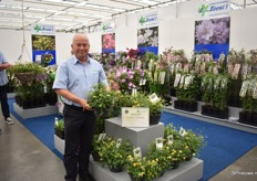 Wim Snoeijer of J. Van Zoest presenting their award winning variety Clematis Zo14100(Little Lemons). It has been voted best Novelty of Plantarium 2019. The plant produces an extraordinary, very compact and bushy growth and is non-climbing. It is unique and innovative, according to the KVBC (Royal Boskoop Horticultural Society) jury.