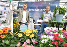 Floris Tas and Marcel van Vembe of HilverdaFlorist. For the first time, they are presenting the new company name and look at the Four Oaks.