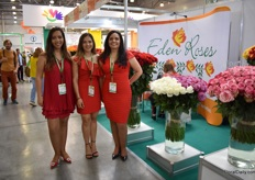 The team of Eden Roses. Russia and Europe are the main markets for this Ecuadorian farm. They recently increased the acreage of their farm by 1ha (from 20 to 21ha) and by the end of the year, they will harvest 8 new varieties.