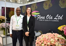Bett and interpreter Elizabeth of Flora Ola. This Nakuru (Kenya) based farm grows roses on 28 ha and summer flowers on 9ha. They mainly supply the auction and Russia is their fourth market, Since 2011, their flowers are being shipped to this market.