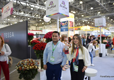 Juan Carlos Houdek and ANdrea Jaramillo of Floralstar. For 2 years now, they have the brand Andrea Roses. Europe and Russia are their main markets and they grow roses on 8ha in Cayambe, Ecuador.