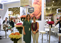 Gabriela Flores and intrerpreter Elena if Miracle Gardens presenting their Ecuadorian grown standard and garden roses. Russia is their main market, with nearly half of their production going to this country. They also supply more contries in the world, like all over Europe, US, and Canada.