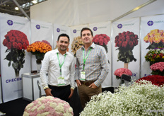 Akmal Fayziev and Eduardo Chirboga of Esmeralda Farms. They recently joined the Perfection group. At their booth at the FlowersExpo, they showed all kind of flowers, including Rice Flower (left). They are the only grower in Latin America producing it, and they produce it all year round.