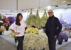 "Carmen Lucia Marquez Hernandez of BallSB and designer Pieter Landman promoting the dryable flowers like gypsophila, limonium and statice. At their booth, they also showed 'simple' bouquet designs that 'everyone can make'. ""With these bouquets, one brings the garden inside."" Besides, they are also promoting other summer flowers and showing the long vase life they have."