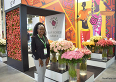 For the second time after a 4-year break, Sian Roses is back at the FlowersExpo and this year with a Kenyan themed booth. In the picture: Yvonne Chelegat. For this Kenyan rose farm, Russia is bexoming an increasingly important market. The highlight at their booth are spray roses, it is 80% of what they display.
