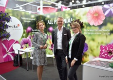 "Translator Anara, Peter Nederhof and Nadya Zhuykova of Selecta one. Their booth is presenting the new Sky varieties of Selecta one. ""NightSky is a well-known variety in Russia and we now we want to draw the attention to the other new Sky-types."""