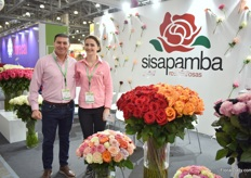 Julio Valenzuela and Tatiana Ermolaeva of Sisapamba. This Ecuadorian farm started to export to Russia 6 years ago and is increasing their volumes every year. Currently, 15 percent of their volume is exported to Russia. Besides fresh flowers, they also sell tinted roses, bouquets and preserved flowers. In total, they have 170 rose varieties, 22 garden rose varieties.