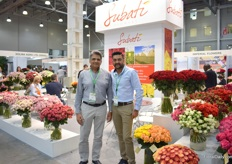 Naren and Ravi Patel of Subati Flowers. They are one of the Kenyan growers with probably the longest history in shipping flowers to Russia. They started 12 years ago with the first flowers and have increased their shipments to this country ever since.