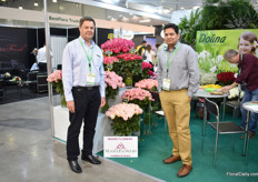 "Andrew Hardy and Arun Mishra of Salimar Mahee. They expor to Russia for over 7 years and see the exports growing. ""From 70-80cm, the demand slowely shifted to 40-50cn"", says Mishra."