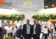 Wlodzmierz Grajek and Jan de Klerk of Flowerportal. As you can see the stand was pretty crowded.