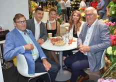 People at the booth of Haakman having a good time. On the picture: Dick Haakman, Yuri Petryckko and Elena Maltseva of Haakman Flowerbulbs together with their customer, Yulia Tichakova and Nicolaas Slagter.